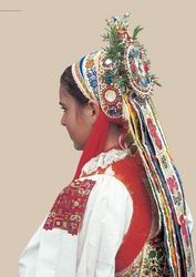 A bride in the wedding headdress. Šoporňa, about 1900, reconstruction
