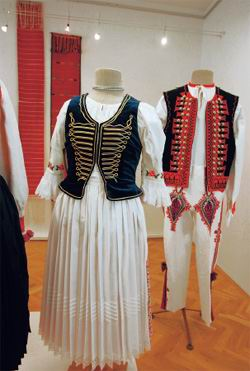 Traditional folk costumes from eastern Slovakia, reconstruction by ULUV