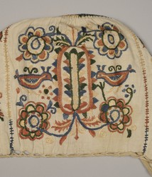 02 Bird-like ornamentation in embroidery, Rybany, second half of the 19th century
