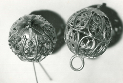 Intricate buttons in the collections of the Museum of Folk Art and Crafts (MĽUV)